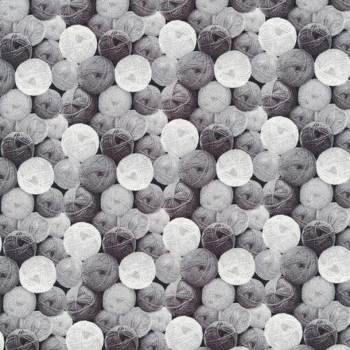 7354 - Grå med garnnøgler