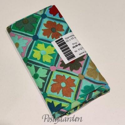 FQ7071 7071 - Grøn patchworkstof med tern og blomster fat quarter 50 x 55 cm