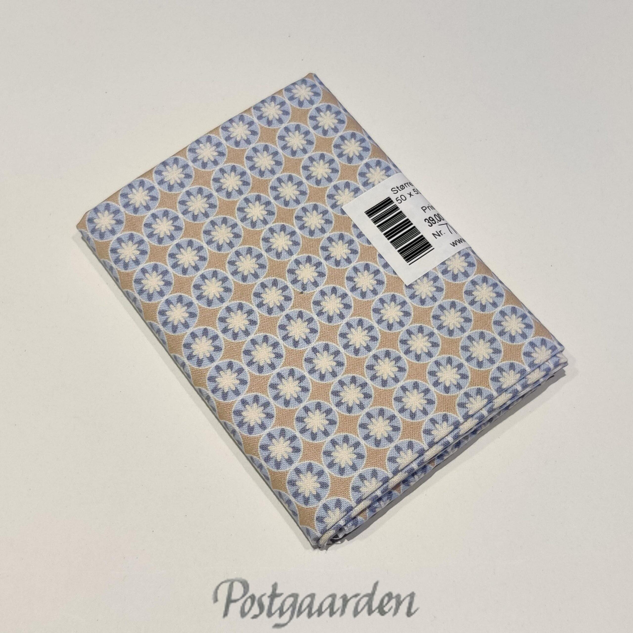 FQ7101 Beige Blå blomster patchwork stof fat quarter