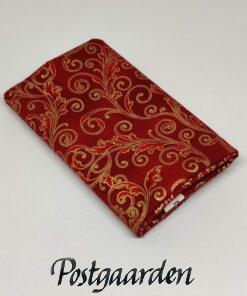 FQ7541 Rød patchworkstof med snirkler i guld - JUL